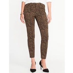 OLD NAVY   Pixie Cheetah Mid-Rise Pants
